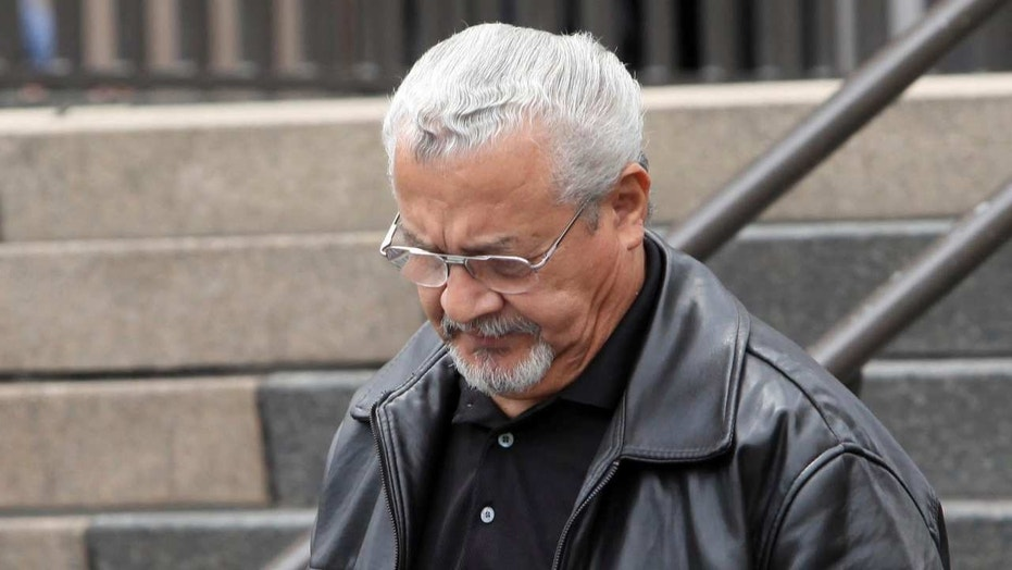 Former Chicago police detective Reynaldo Guevara leaves a Chicago courtroom, July 29, 2013.