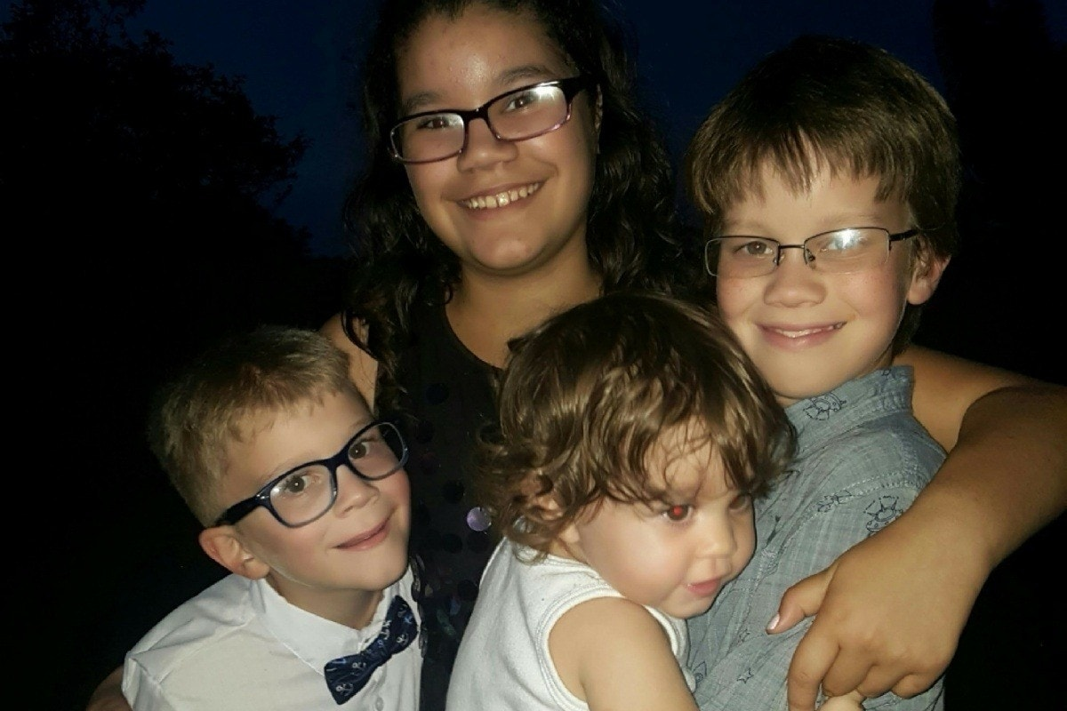 Mom 'heartbroken' after 4 kids slain in Orlando standoff; police officer comatose
