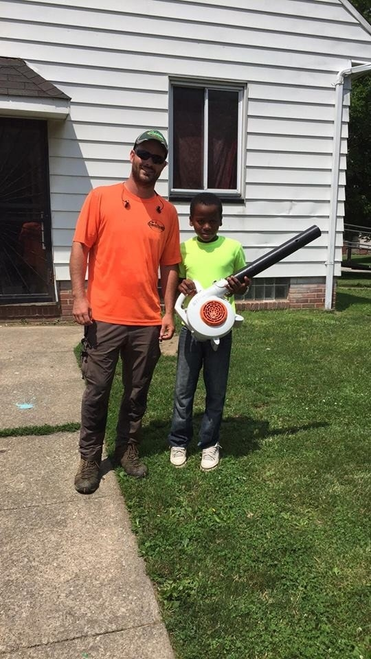 Ohio Boyu0027s Lawn Care Business Goes Viral After U0027ridiculousu0027 Neighbor Calls  Cops On Him | Fox News