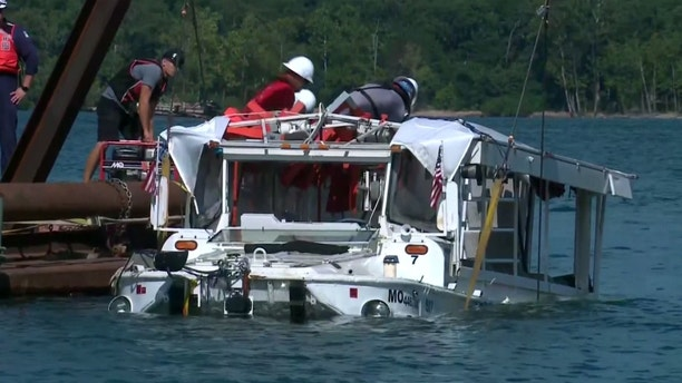 Coast Guards set to raise sunken duck boat at Table Rock Lake