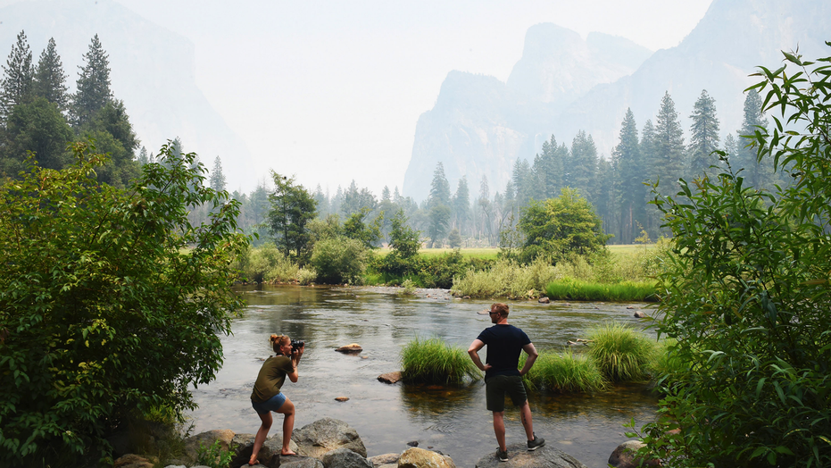 Heart of Yosemite National Park to close as crews battle wildfire