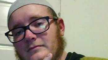Everitt Aaron Jameson (aka Abdallah Abu Everitt Ibn Gordon Al-Amriki) is a former marine from Modesto, California. In December, 2017 he was arrested for plotting a Christmas Day bomb attack on the Pier 39 in San Francisco