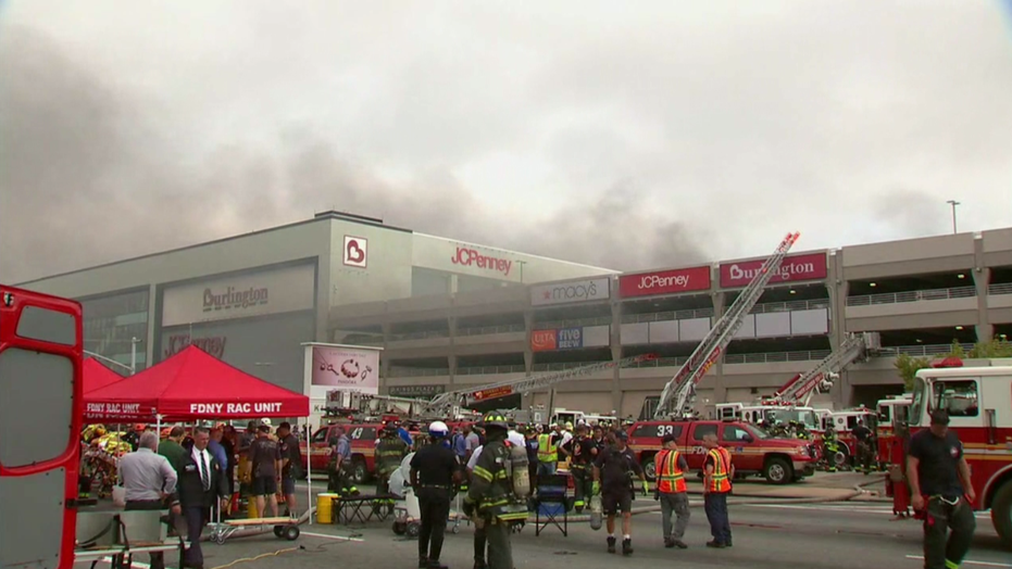 Brooklyn: Huge fire breaks out in NY shopping mall auto park