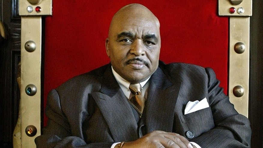Solomon Burke, the king of rock and soul - a title that Burke has embraced ever since a Baltimore disc jockey is said to have hung it on him in 1964 - poses in his red velvet throne in his Los Angeles home in this April 21, 2005 file photo.