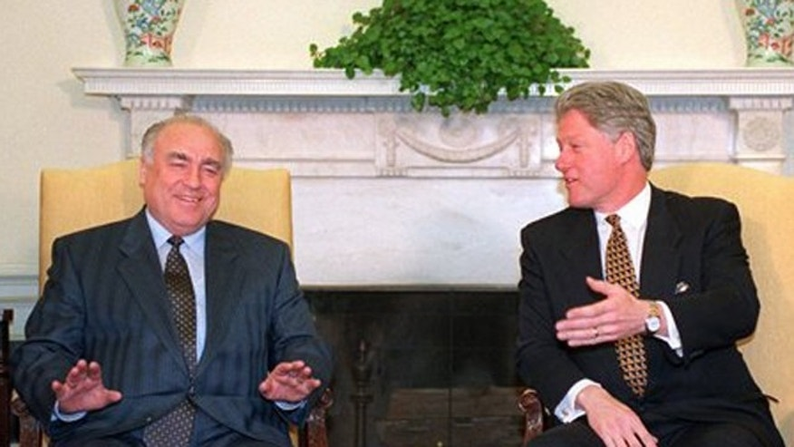 FILE - In this Jan. 30, 1996 file photo President Clinton sits with Russian Prime Minister Viktor Chernomyrdin during a meeting in the Oval Office of the White House. Viktor Chernomyrdin, who served as Russia's prime minister in the turbulent 1990s as the country was throwing off communism and developing as a market economy, died Wednesday, Nov. 3, 2010. He was 72. (AP Photo/Charles Tasnadi, File)