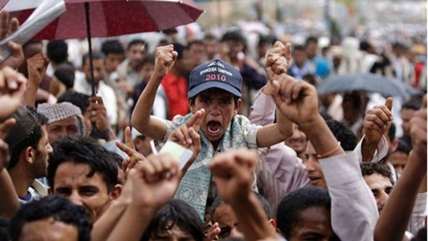 Protesters continue putting pressure on Yemen president.