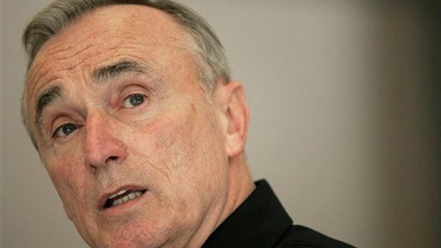 William Bratton speaks a news conference in Los Angeles in 2007. (AP)