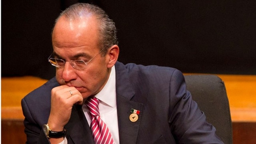 File Photo, Oct.  23, 2011. Mexico's President Felipe Calderon attended the inauguration ceremony of the XXI Iberoamerican summit in Asuncion, Paraguay. On Nov. 2, 2011, he missed the Forbes' Most Powerful People in the World list. (AP Photo/Victor R. Caivano)