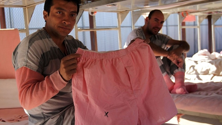 Court Bashes Pink Underwear for Arpaiou0027s Inmates | Fox News  sc 1 st  Sea Breeze Clothing & Tent City Pink Underwear - Breeze Clothing
