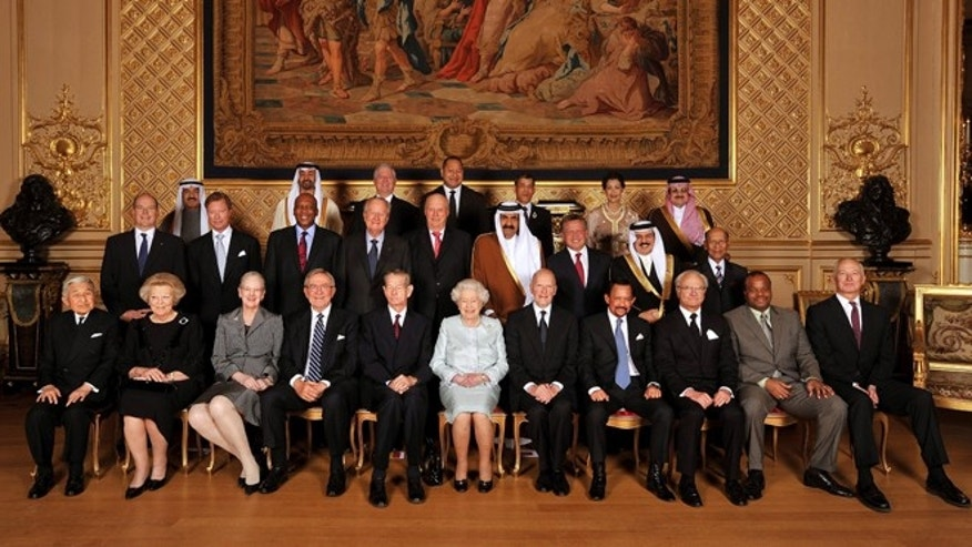 May 18, 2012: Queen Elizabeth II with her royal guests pose for a picture before her Sovereign Monarchs Jubilee lunch in the Grand reception room at Windsor Castle, England.
