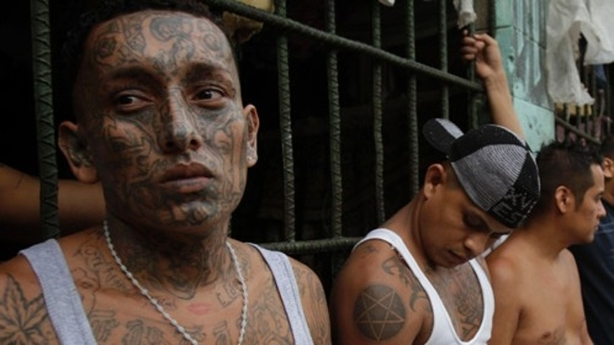 Imprisoned members of El Salvador's M-18 gang. (Foto AP /Luis Romero)