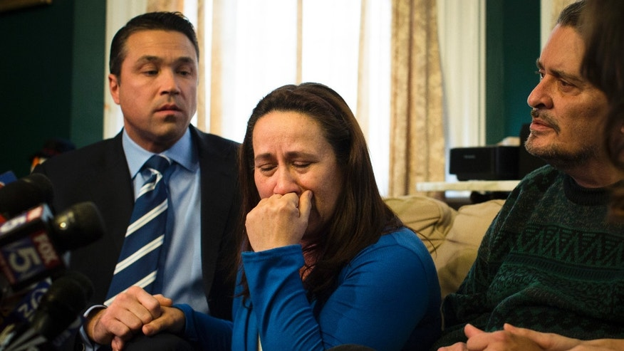 Betzaida Jimenez, mother of 33-year-old Sarai Sierra who was found dead on Saturday in Turkey, pauses before a news conference at a friend's home in Staten Island, Monday, Feb. 4, 2013, in New York. Sierra went missing while vacationing alone in Istanbul on Jan. 21, the day she was due to board her flight back home.   (AP Photo/John Minchillo)