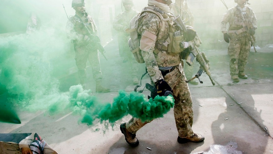 how to soldiers smoke and stay fit