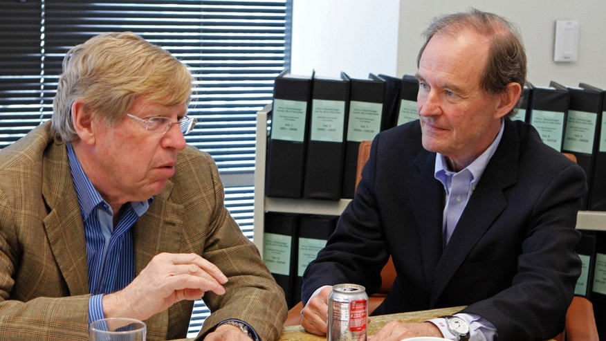 "FILE - In this June 15, 2010 file photo, from left, attorneys Ted Olson and David Boies speak in San Francisco. Judgment day is approaching in an epic battle between Argentina and New York billionaire Paul Singer, who has sent lawyers around the globe trying to force the South American country to pay its defaulted debts. Three U.S. appellate judges will hear oral arguments in New York on Wednesday, Feb. 27, 2013, in the case, NML Capital Ltd. v. Argentina. The case has shaken bond markets, worried bankers, lawyers and diplomats, captivated financial analysts and generated enough ""friend of the court"" briefs to kill a small forest. (AP Photo/Ben Margot, File)"