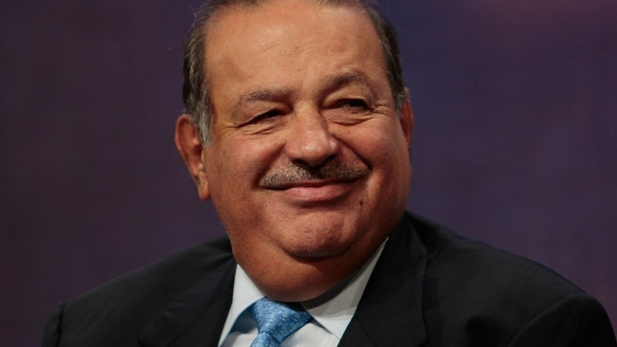 NEW YORK - SEPTEMBER 27: Mexican businessman Carlos Slim Helu, one of the world's richest men, smiles during a panel discussion about Latin America at the Clinton Global Initiative September 27, 2007 in New York.  (Photo by Chris Hondros/Getty Images)