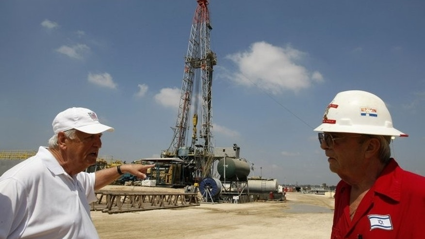 An oil-drilling platform in Maanit, north of Tel Aviv, in 2009. Israel is to export only 40 percent of the natural gas it extracts from newly discovered gas fields off its Mediterranean coast, Prime Minister Benjamin Netanyahu said on Wednesday.