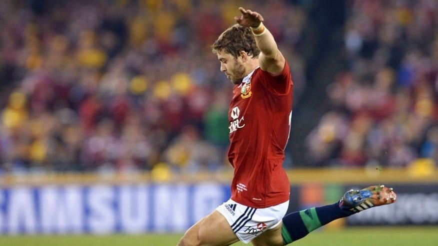 British and Irish Lions fullback Leigh Halfpenny misses a match-winning penalty against the Australian Wallabies in the second rugby Test match, in Melbourne on June 29, 2013.