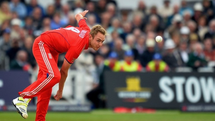 "England's Stuart Broad delivers a ball during a One Day International (ODI) match against New Zealand at Trent Bridge in Nottingham on June 5, 2013. Broad tried to allay fears about his fitness ahead of next week's Ashes opener against Australia saying ""if the Test started today I'd be ready to go""."