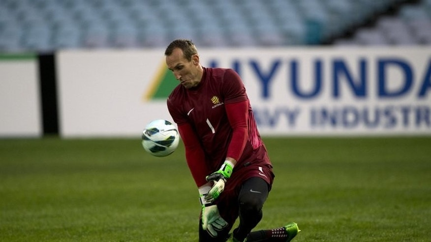 Goalkeeper Mark Schwarzer, pictured in a training session in Sydney on June 17, 2013, has joined English Premier League giants Chelsea on a one-year contract.