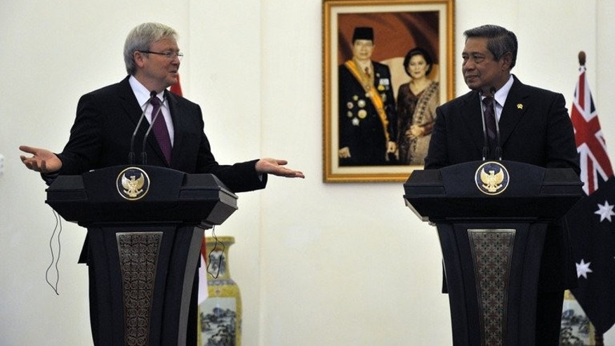 Australia's Prime Minister Kevin Rudd (L) and Indonesia's President Susilo Bambang Yudhoyono, pictured during a press conference at the Presidential Palace in Bogor, southern Jakarta, on July 5, 2013. Rudd held talks on asylum-seekers with the Indonesian president, as thousands each year defy deadly perils to try to reach Australia by sea.