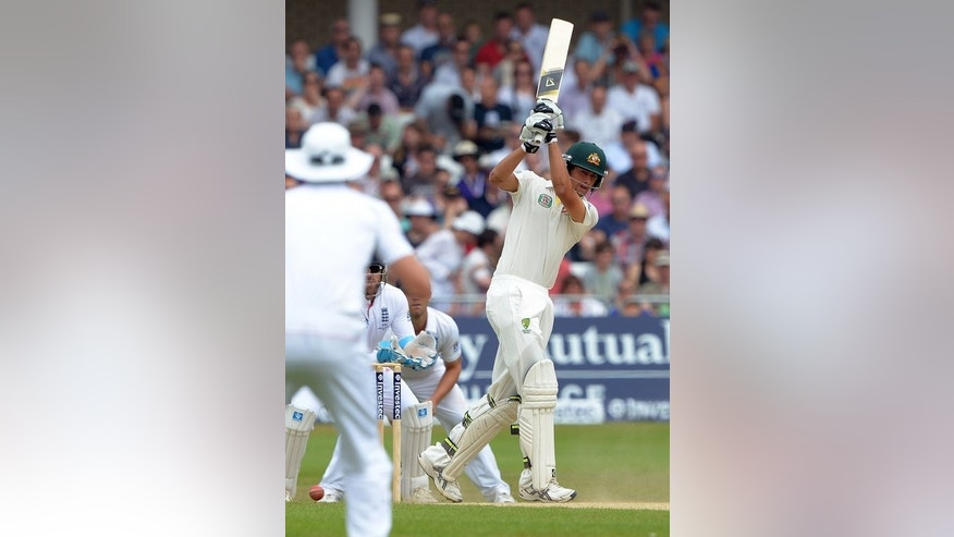 Australia's Ashton Agar (R) bats during the final day of the first Ashes Test on July 14, 2013. England just held their nerve to win by 14 runs at Trent Bridge.