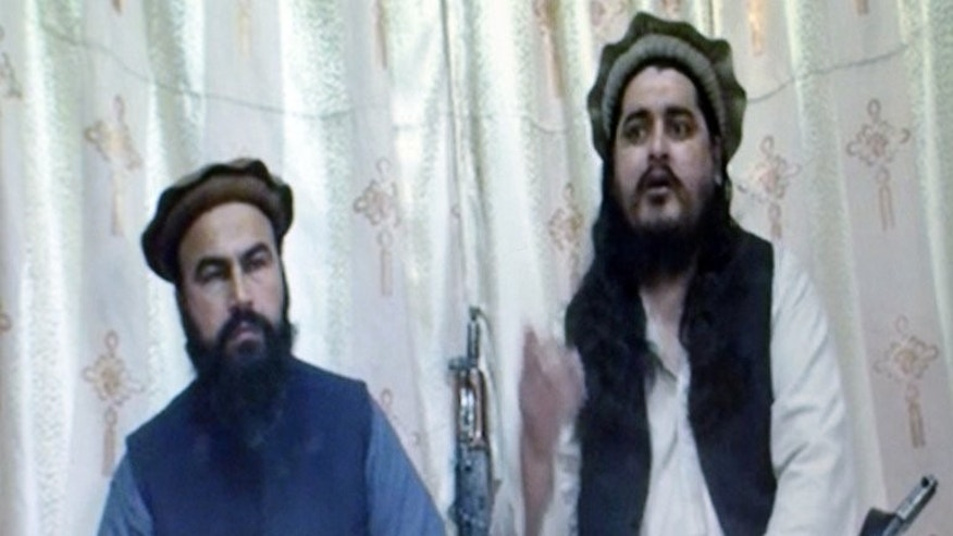 This frame grab taken on December 28, 2012 from undated video footage released by the Tehreek-e-Taliban Pakistan (TTP) shows Pakistani Taliban leader Hakimullah Mehsud (R) and his deputy Wali-ur Rehman.