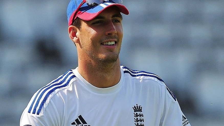 England's Steve Finn takes part in a training session at Lord's cricket ground in north London, on July 17, 2013. England captain Alastair Cook has admitted the selectors faced some awkward decisions about the final composition of their bowling attack for the second Test against Australia at Lord's starting on July 18.