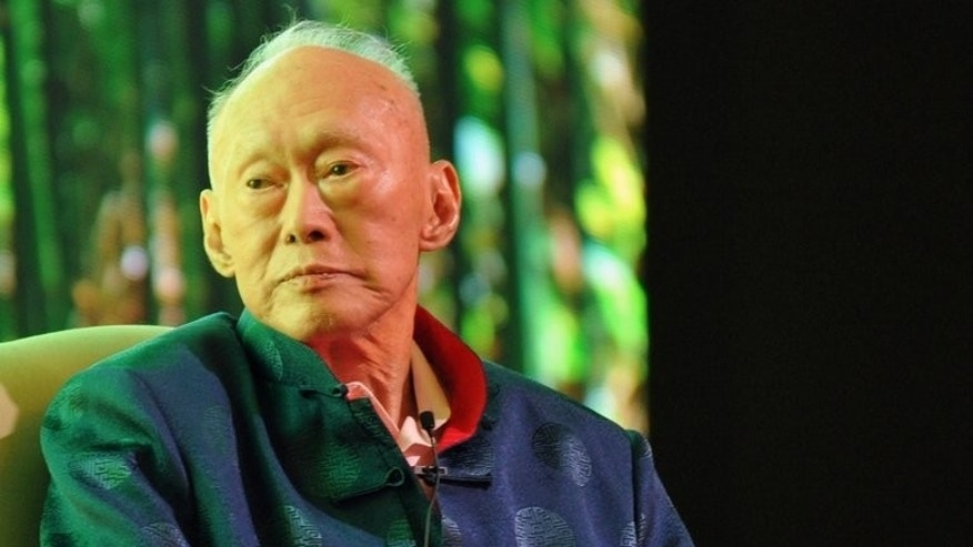 Singapore's former prime minister Lee Kuan Yew attends the Standard Chartered Forum in Singapore on March 20, 2013. Singapore's founding father Lee Kuan Yew, who will turn 90 next month, said in a new book published Tuesday that he feels weaker by the day and wants a quick death.