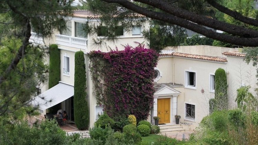 "Tthe ""Villa fontaine Saint-Georges"", seen on August 8, 2013, in Cannes, southeastern France. A luxurious, bougainvillea-clad mansion in one of the most exclusive neighbourhoods in the French Riviera resort of Cannes emerged as a key exhibit in Chinese prosecutors' corruption case against fallen political heavyweight Bo Xilai on Thursday."