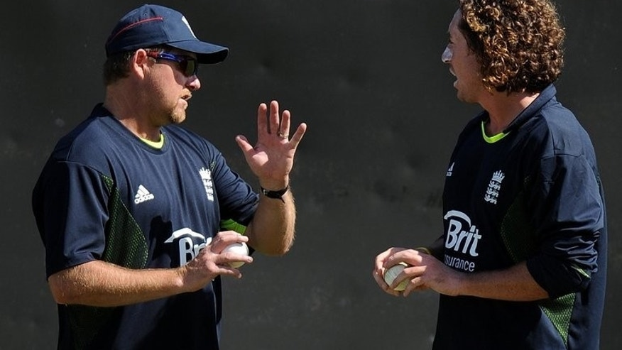 Bowling coach David Saker speaks with Ryan Sidebottom on May 2, 2010. Boyd Rankin fits the profile of a tall seamer advocated by England's Saker.