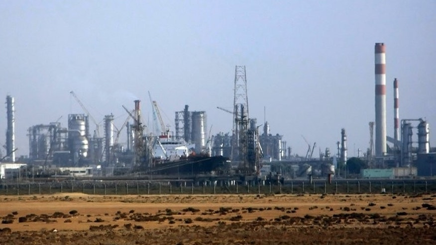 A Saudi petrochemical facility in the Red Sea city of Jeddah, on November 12, 2007. Saudi oil minister Ali al-Naimi has told reporters that Riyadh will compensate for any shortage in global energy markets.