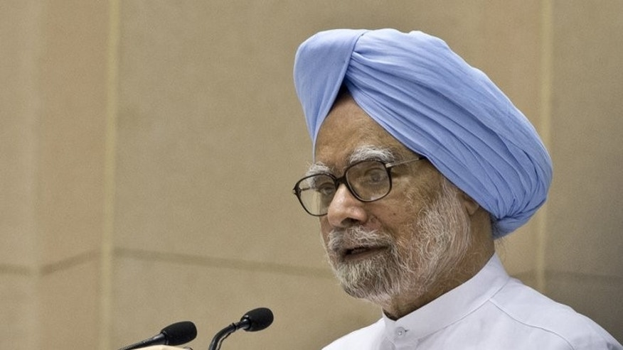Indian Prime Minister Manmohan Singh delivers a speech in New Delhi on September 23, 2013. Singh has confirmed he will meet his Pakistani counterpart Nawaz Sharif on the sidelines of the UN General Assembly.