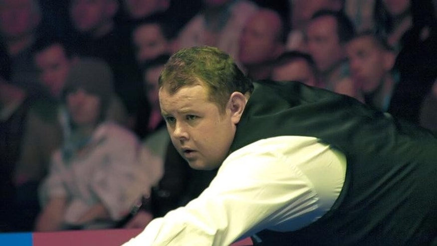Britain's Stephen Lee reacts to a poor shot in Wembley, London, on January 20, 2008.