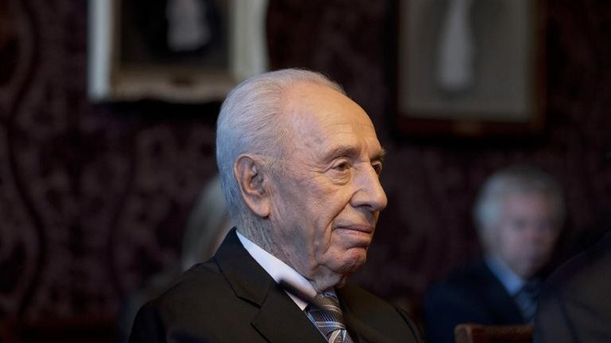 Israeli President Shimon Peres visit the International Court of Justice in The Hague, on September 30, 2013