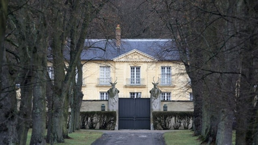 January 19, 2014: A view of the official residence La Lanterne, in Versailles, west of Paris, where France's first lady Valerie Trierweiler is reported to be resting. (AP Photo/Christophe Ena)