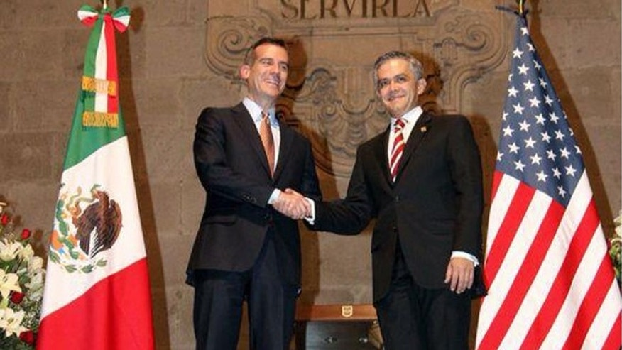 Mayor Eric Garcetti meets with Mexico City Mayor Miguel Mancera. (Photo by Mayor of Los Angeles)
