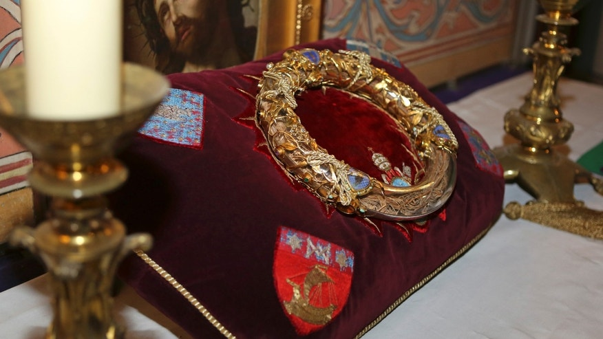 Crown of thorns believed to have been worn by Jesus Christ is presented in Paris, March 21, 2014.