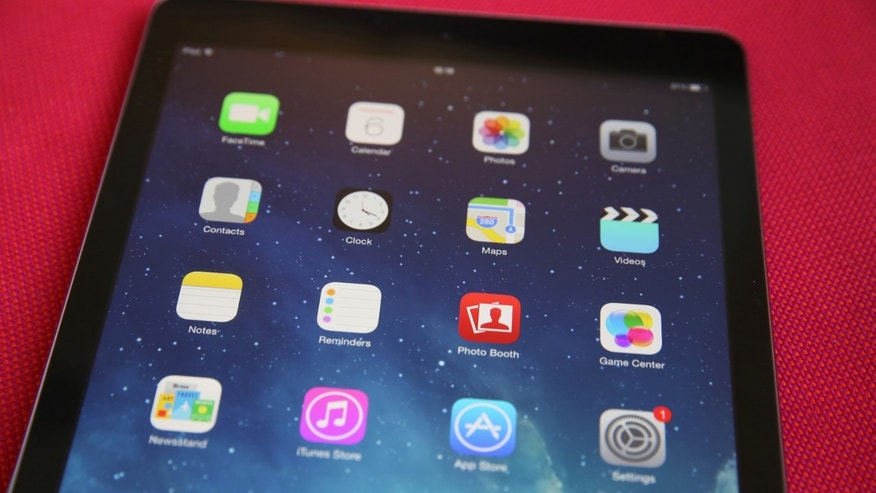 LONDON, ENGLAND - AUGUST 06: In this photo illustration an Apple iPad displays it's home screen on August 6, 2014 in London, England.  iPad maker Apple is selling fewer units than in the same quarter in 2013, it is reported.  (Photo illustration by Peter Macdiarmid/Getty Images)