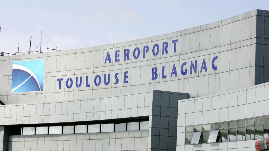 This photo dated May 27, 2009, shows an outside view of the Toulouse Blagnac airport, south western France. France's economy minister says the government is selling a 49.9 percent stake in the airport in Toulouse to a Chinese consortium looking to increase international air links in the south of France.(AP Photo/Frederic Scheiber)