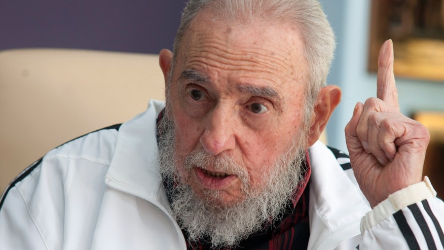 July 11, 2014 - FILE photo of Cuba's Fidel Castro at a meeting with Russia's President Vladimir Putin, in Havana, Cuba. Castro Monday sent soccer legend Diego Maradona a letter written to quash rumors of the Cuban leader's death, state-run television network Telesur reported. It was the first reported word from Castro in nearly three months.
