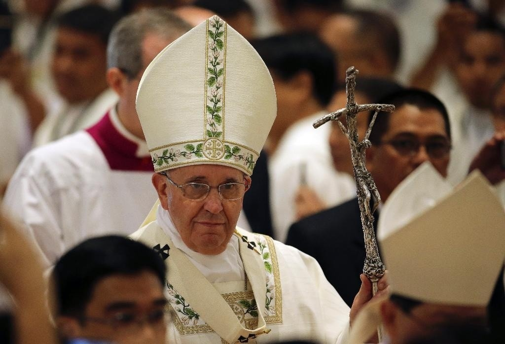 Pope said friend can 'expect a punch' for insulting Mamma. What about turning the other cheek?