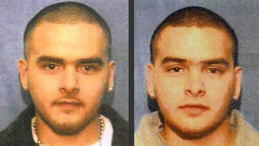 "This undated photo from a wanted poster released by the U.S. Marshals Service shows Pedro Flores, left, and his twin brother, Margarito Flores. The brothers are scheduled to be sentenced Tuesday, Jan, 27, 2015, at federal court in Chicago on drug trafficking charges. The Flores twins cut deals to buy tons of narcotics from Joaquin ""El Chapo Guzman, the head of Mexicos Sinaloa Cartel in the 2000s, and later cooperated with U.S. investigators. (AP Photo/U.S. Marshals Service)"