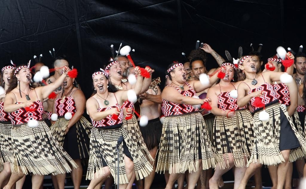 Maori Dance: New Zealand Celebrates 175 Years With Canoes And Dance As