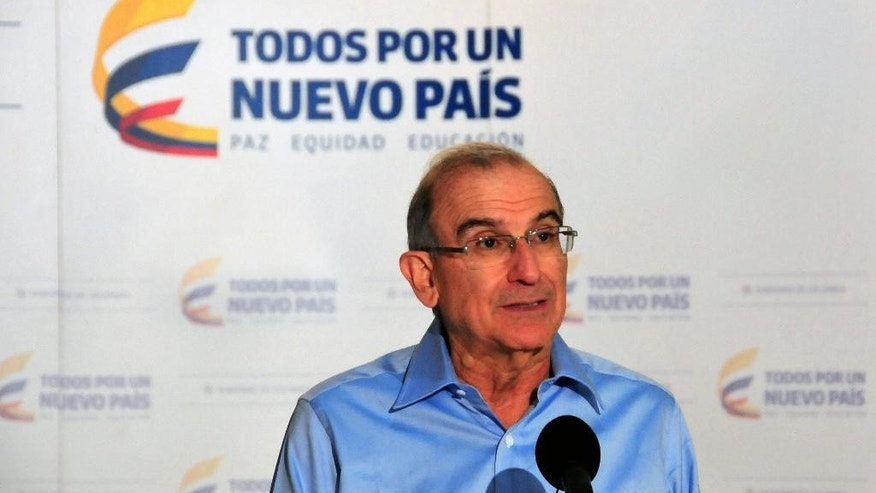 Humberto de la Calle, head of Colombia's government negotiation team, speaks at a news conference at the close of another round of peace talks with rebels from the Revolutionary Armed Forces of Colombia (FARC) in Havana, Cuba, Thursday, Feb 12, 2015. (AP Photo/Ismael Francisco, Cubadebate)