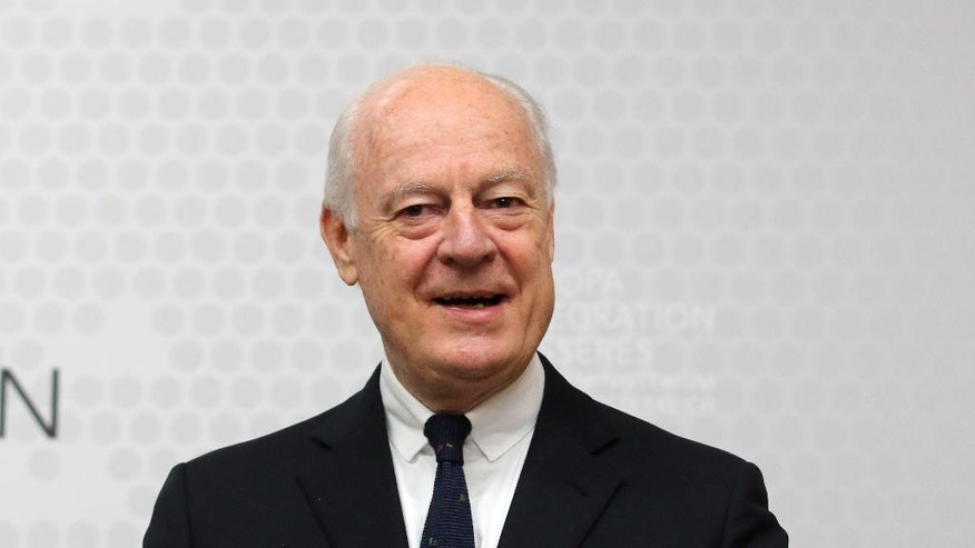 UN Special Envoy for Syria Staffan de Mistura informs the press after talks with Austrian Foreign Minister Sebastian Kurz at the foreign ministry  in Vienna, Austria, Friday, Feb. 13, 2015. (AP Photo/Ronald Zak)