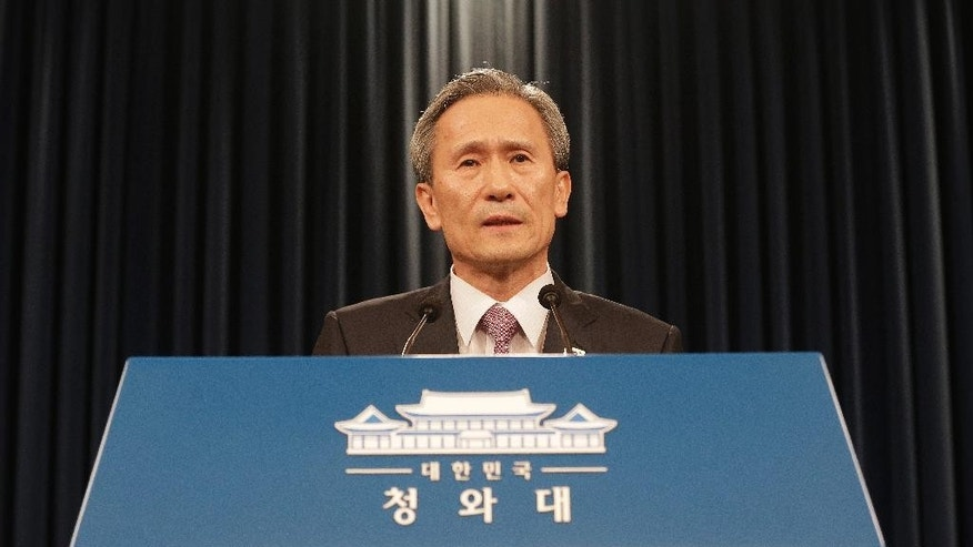 South Korean presidential security adviser Kim Kwan-jin speaks during a press conference at the presidential house in Seoul, South Korea, Tuesday, Aug. 25, 2015. South Korea has agreed to halt propaganda broadcasts at noon Tuesday after North Korea expressed regret over a recent land mine blast that maimed two South Korean troops, both Koreas announced after three days of intense talks aimed at defusing soaring tension between the rivals.(AP Photo/Ahn Young-joon)