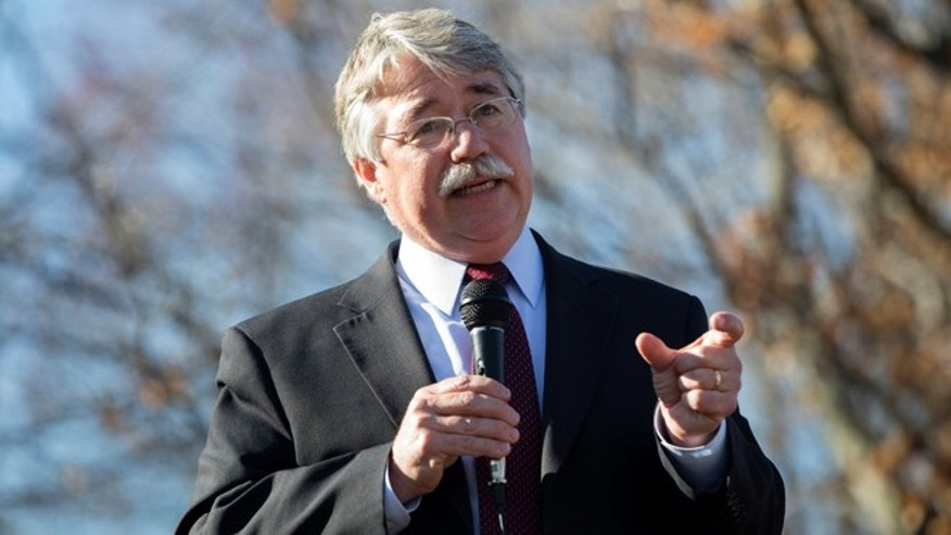 Indiana Attorney General Greg Zoeller speaks to a  gathering at Karst Farm Park on March 31, 2015 in Bloomington, Indiana. (Photo by Aaron P. Bernstein/Getty Images)
