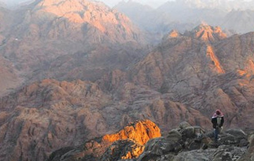 The mountains and desert of Sinai provide a rugged backdrop for the illicit arms auctions. (Reuters)