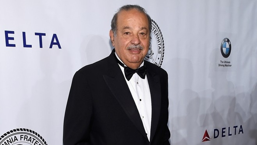 NEW YORK, NY - OCTOBER 07:  Carlos Slim attends the Friars Foundation Gala honoring Robert De Niro and Carlos Slim at The Waldorf=Astoria on October 7, 2014 in New York City.  (Photo by Larry Busacca/Getty Images)