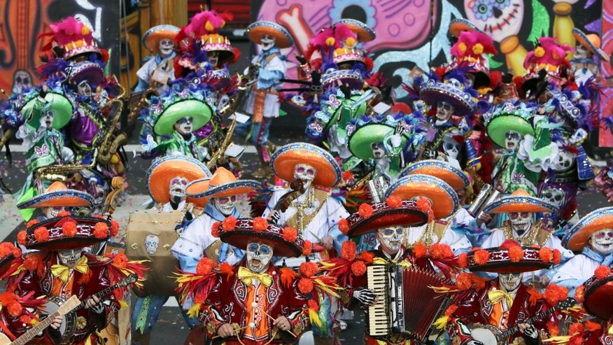 A scene from the 116th annual Mummers Parade in Philadelphia on Friday, Jan. 1, 2016.  (AP Photo/Joseph Kaczmarek)